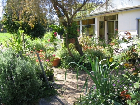 Warren Grange Farmstay and Bed & Breakfast