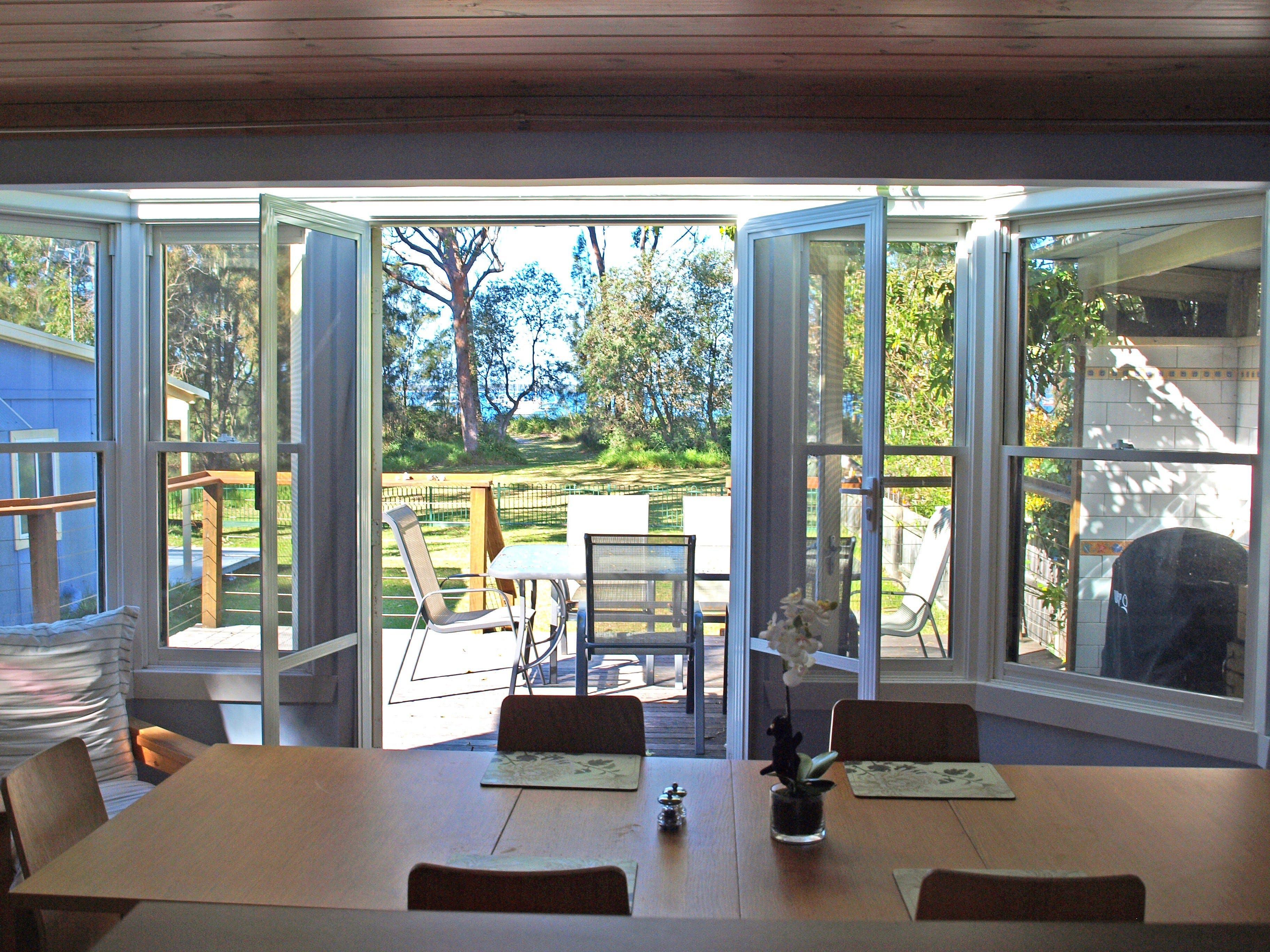 Waterfront Heaven - Accommodation Sunshine Coast