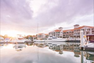 Ramada by Wyndham Hope Harbour - Accommodation Sunshine Coast