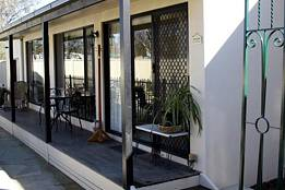 Courtside Cottage Bed and Breakfast - Accommodation Sunshine Coast