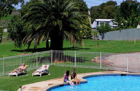 Swan Hill Holiday Park - Accommodation Sunshine Coast