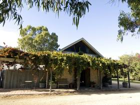 Lake Breeze Wines - Accommodation Sunshine Coast