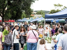 Willunga Farmers' Market - Accommodation Sunshine Coast