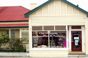 Old Maypole Collectables  Antiques - Accommodation Sunshine Coast