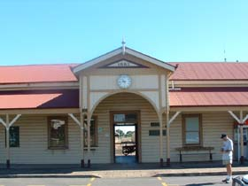 Maryborough Railway Station - Accommodation Sunshine Coast