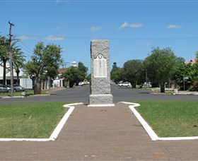 War Memorial and Heroes Avenue - Accommodation Sunshine Coast