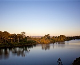 Lake Wivenhoe - Accommodation Sunshine Coast