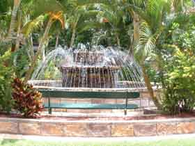 Bauer and Wiles Memorial Fountain - Accommodation Sunshine Coast