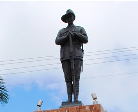 Charters Towers Memorial Cenotaph - Accommodation Sunshine Coast