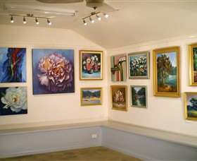 Ros McArthur Art Studio - Accommodation Sunshine Coast