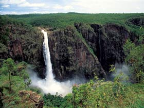Wallaman Falls Girringun National Park - Accommodation Sunshine Coast
