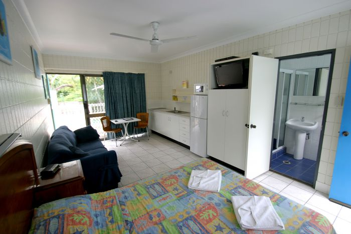 Tropical Palms Inn - Accommodation Sunshine Coast
