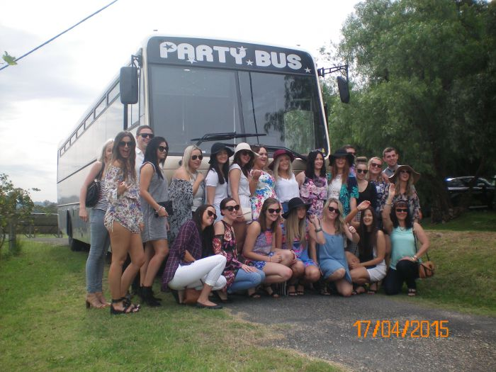 R  R Bus and Leisure Hire - Accommodation Sunshine Coast