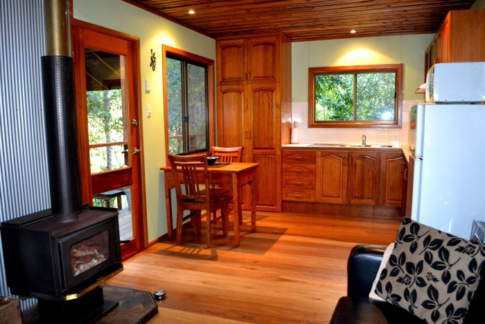 Waterfall Hideout-Rainforest Cabin for Couples - Accommodation Sunshine Coast