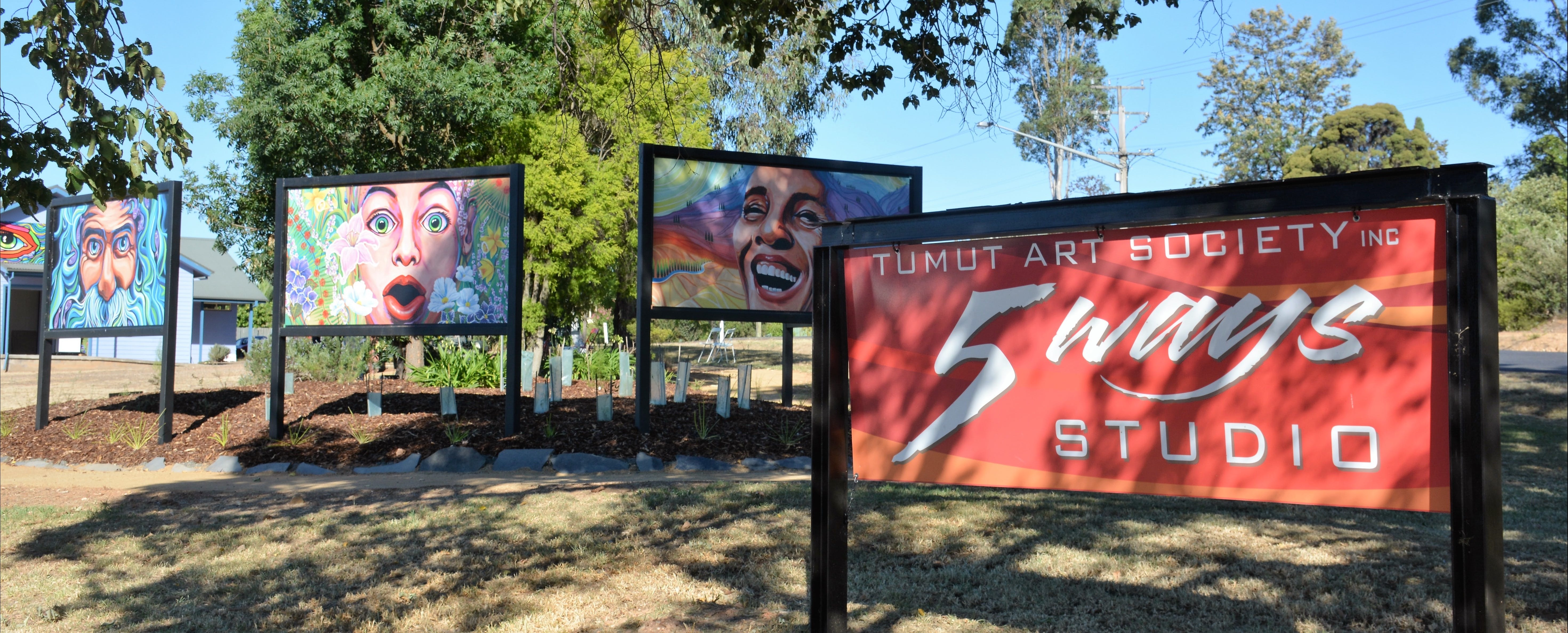 Tumut Art Society 5Ways Gallery - Accommodation Sunshine Coast