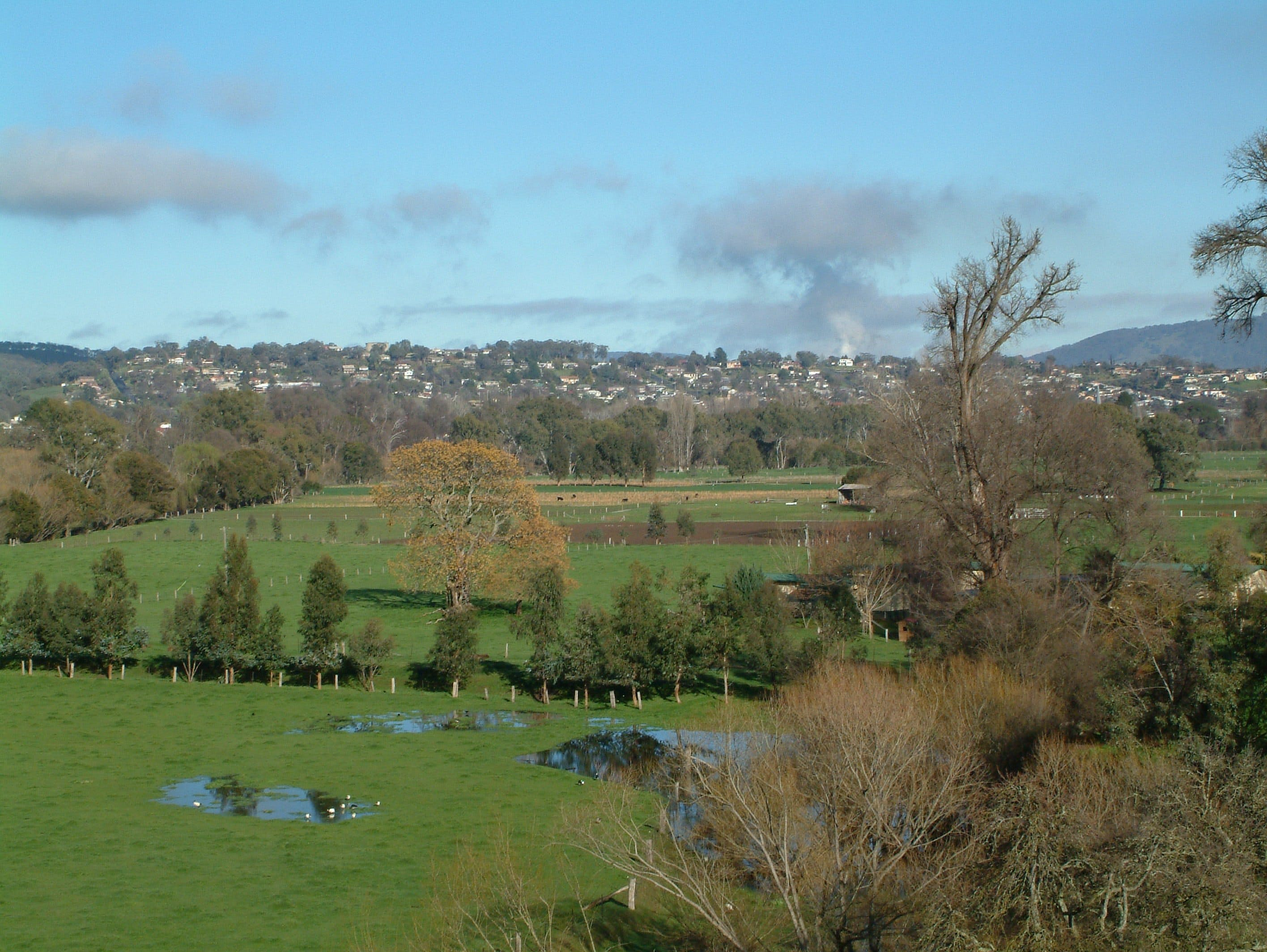 Tumut - Accommodation Sunshine Coast