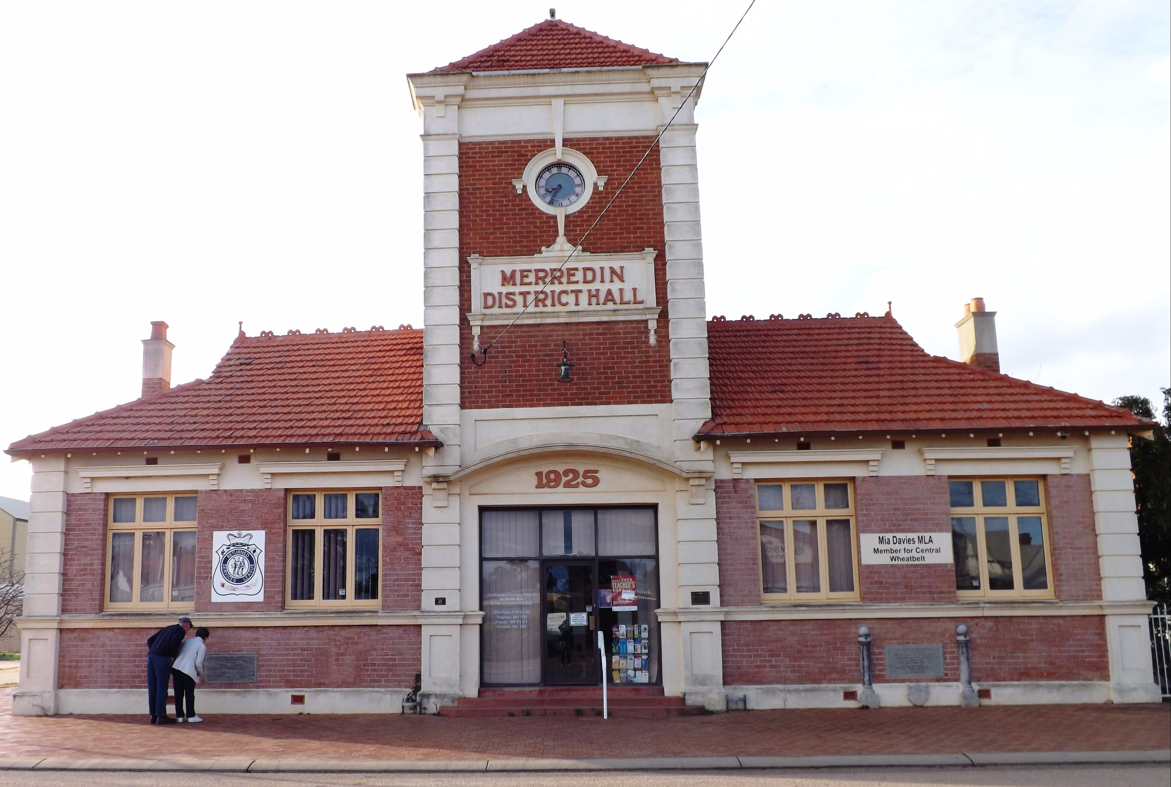 Merredin Town Hall - Accommodation Sunshine Coast
