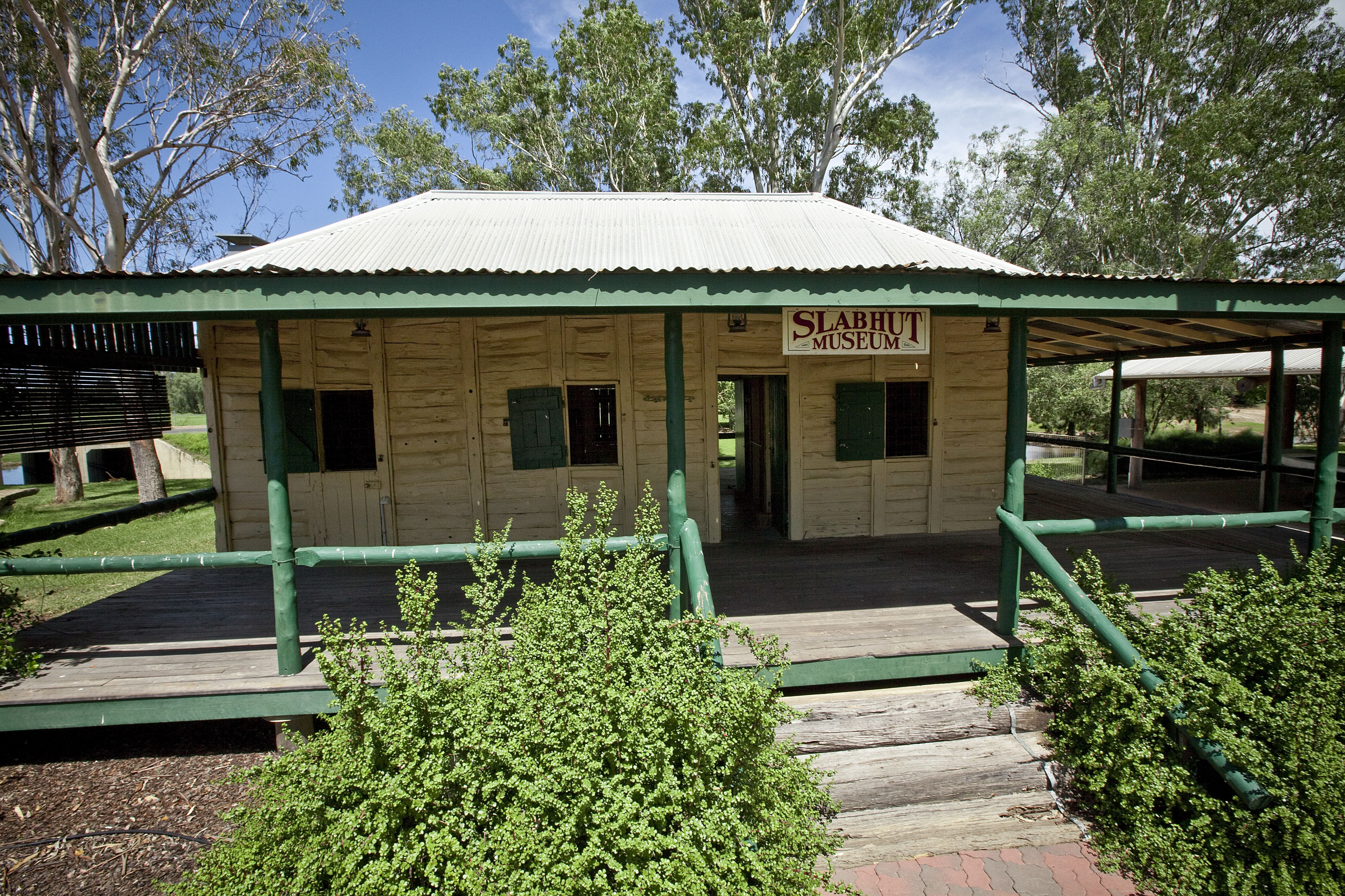 Lenroy Slab Hut - Accommodation Sunshine Coast