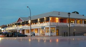 Seacliff Beach Hotel - Accommodation Sunshine Coast
