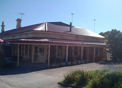Old Bush Inn - Accommodation Sunshine Coast