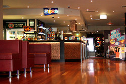 Leighoak Hotel - Accommodation Sunshine Coast
