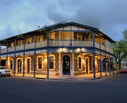 Kensington Hotel - Accommodation Sunshine Coast