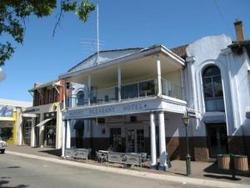 Mount Pleasant Hotel - Accommodation Sunshine Coast