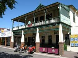 Shamrock Hotel Alexandra - Accommodation Sunshine Coast