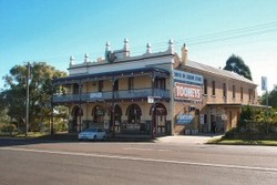 Caledonia Hotel - Accommodation Sunshine Coast