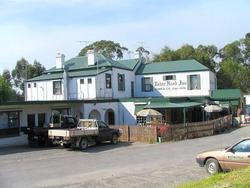 Robin Hood Hotel - Accommodation Sunshine Coast
