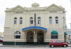 The London Hotel - Accommodation Sunshine Coast
