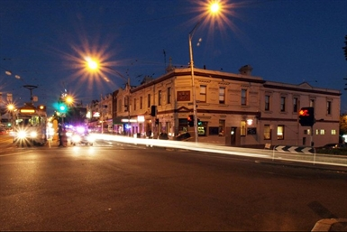 Three Crowns Hotel - Accommodation Sunshine Coast