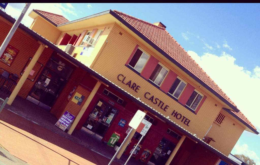 Clare Castle Hotel - Accommodation Sunshine Coast
