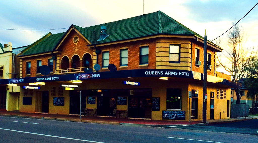 Queens Arms Hotel - Accommodation Sunshine Coast