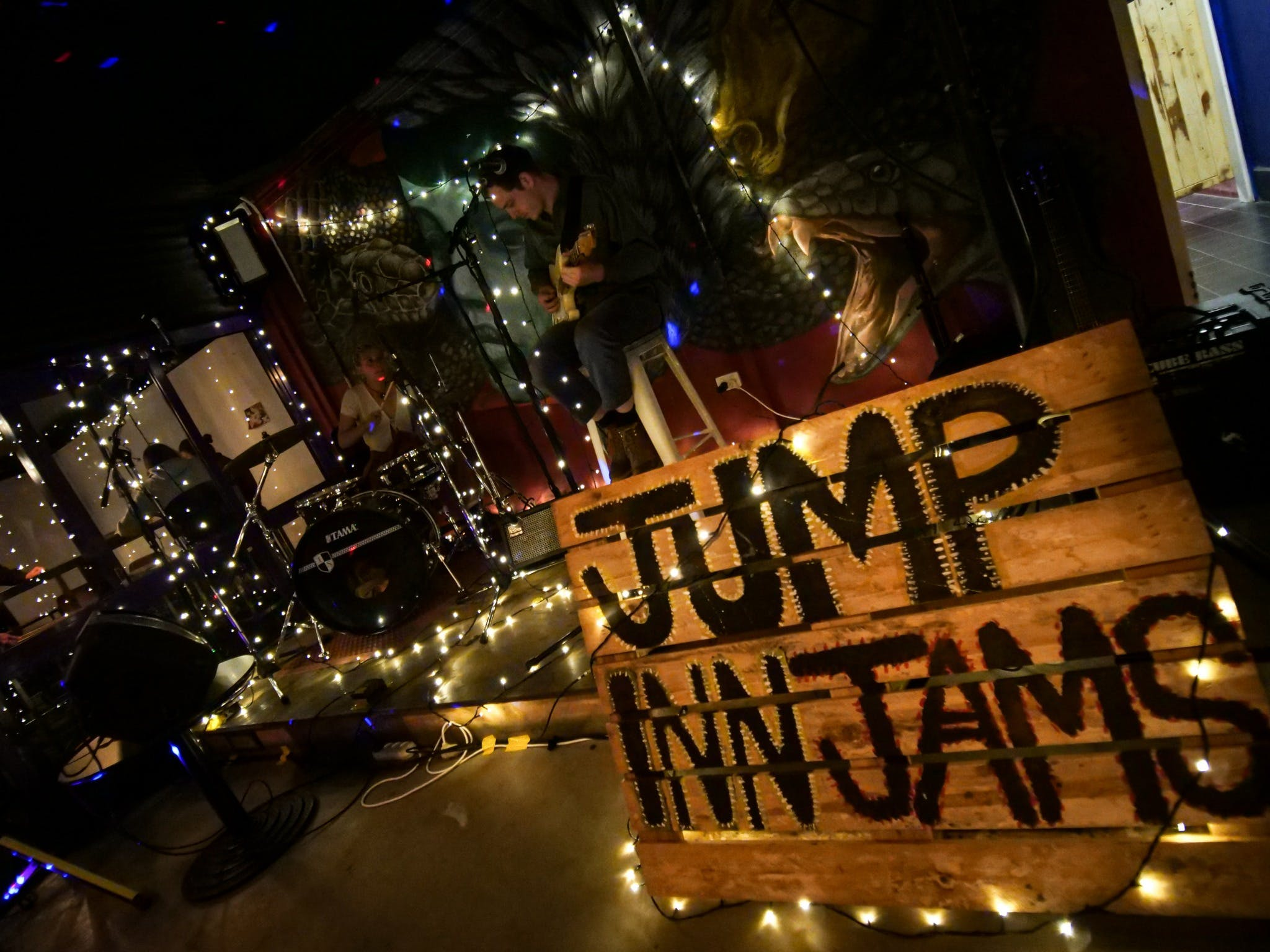 Jump Inn Jam Sessions - Accommodation Sunshine Coast
