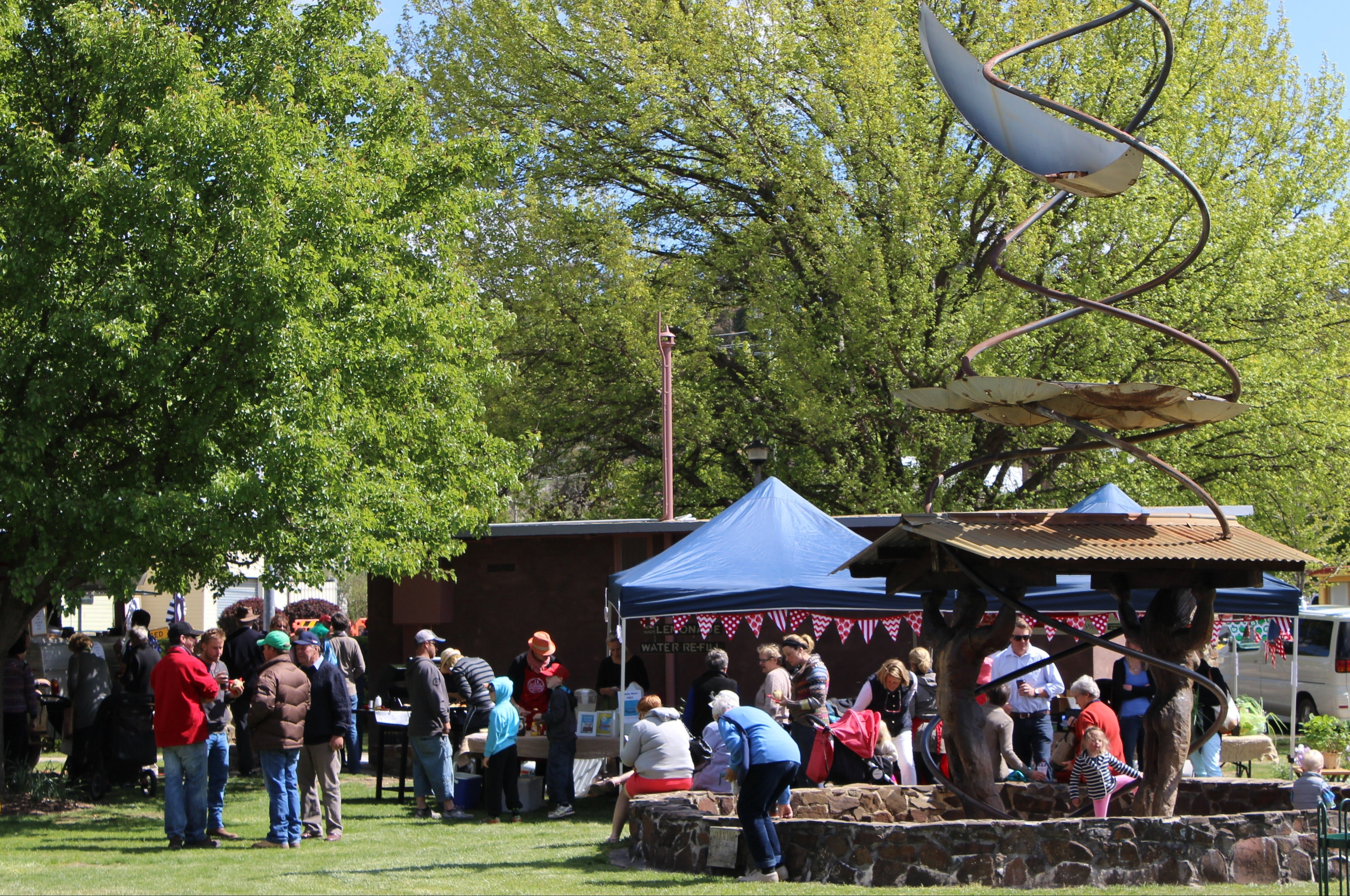 Walcha Farmers' Market - Accommodation Sunshine Coast