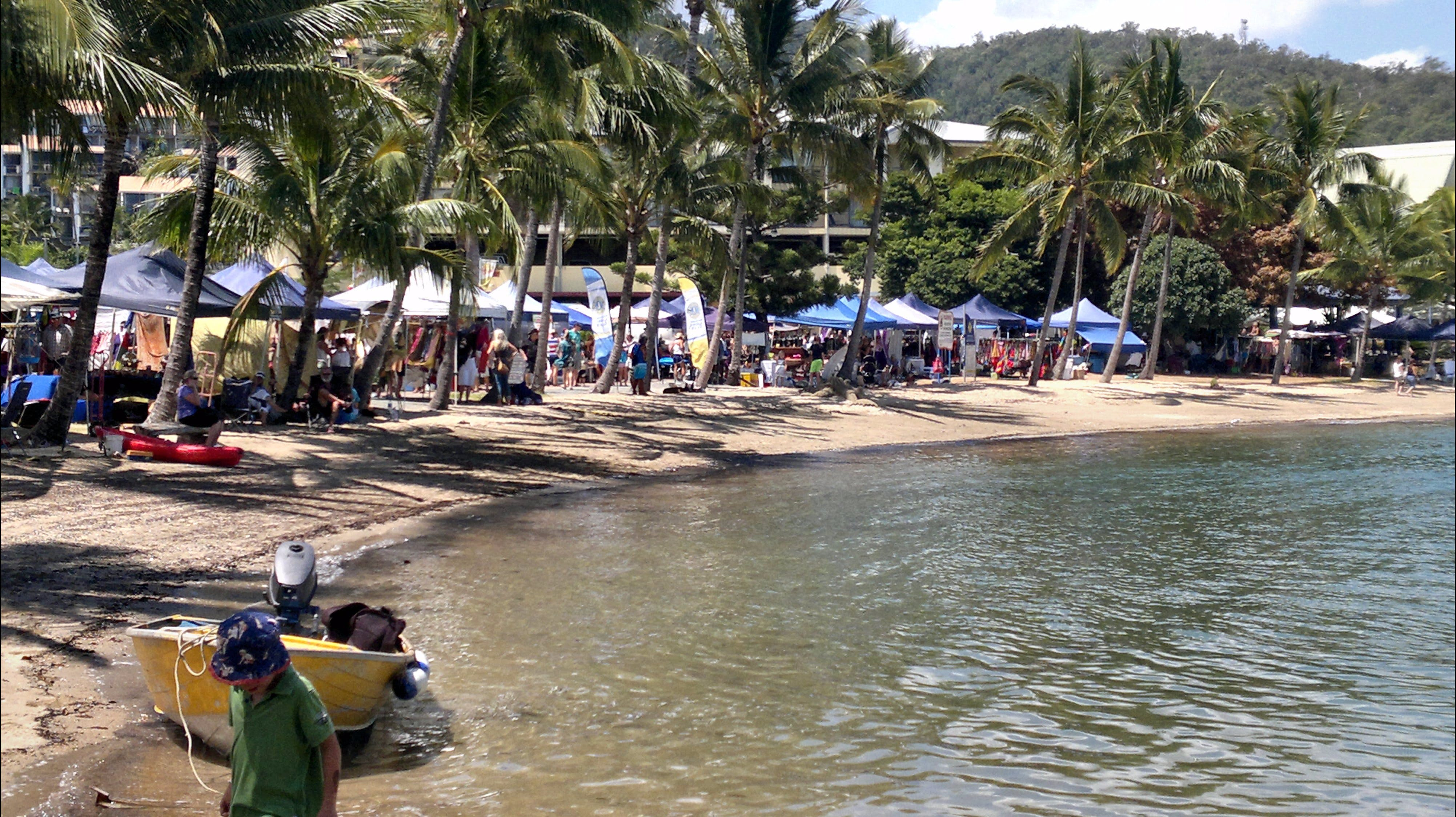 Lions Airlie Beach Community Markets - Accommodation Sunshine Coast
