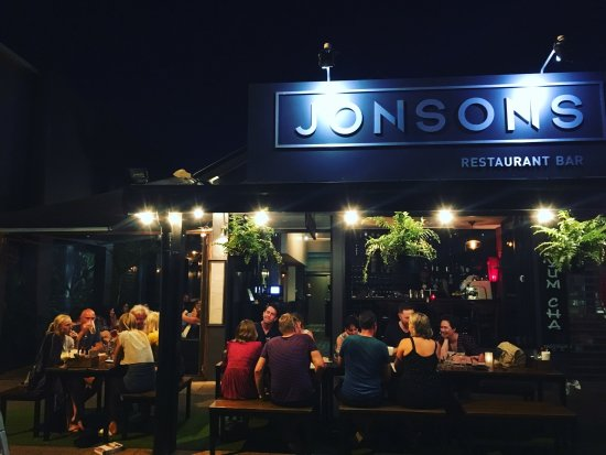 Jonsons Restaurant Bar - Accommodation Sunshine Coast