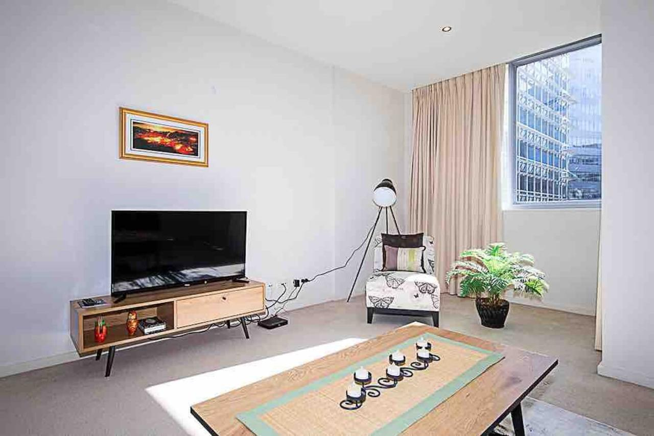 Spacious 1BR Stylish New Acton Apartment Parking - Accommodation Sunshine Coast