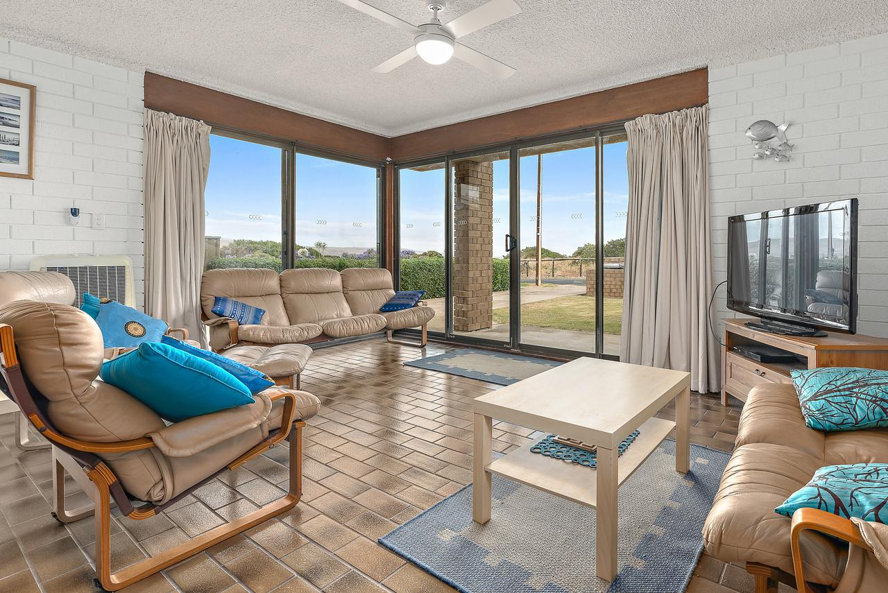 Sun  Surf Aldinga Beach Apartment - Accommodation Sunshine Coast