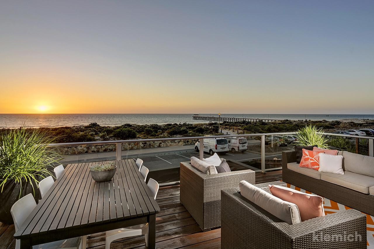 The Beach House  Grange - Accommodation Sunshine Coast