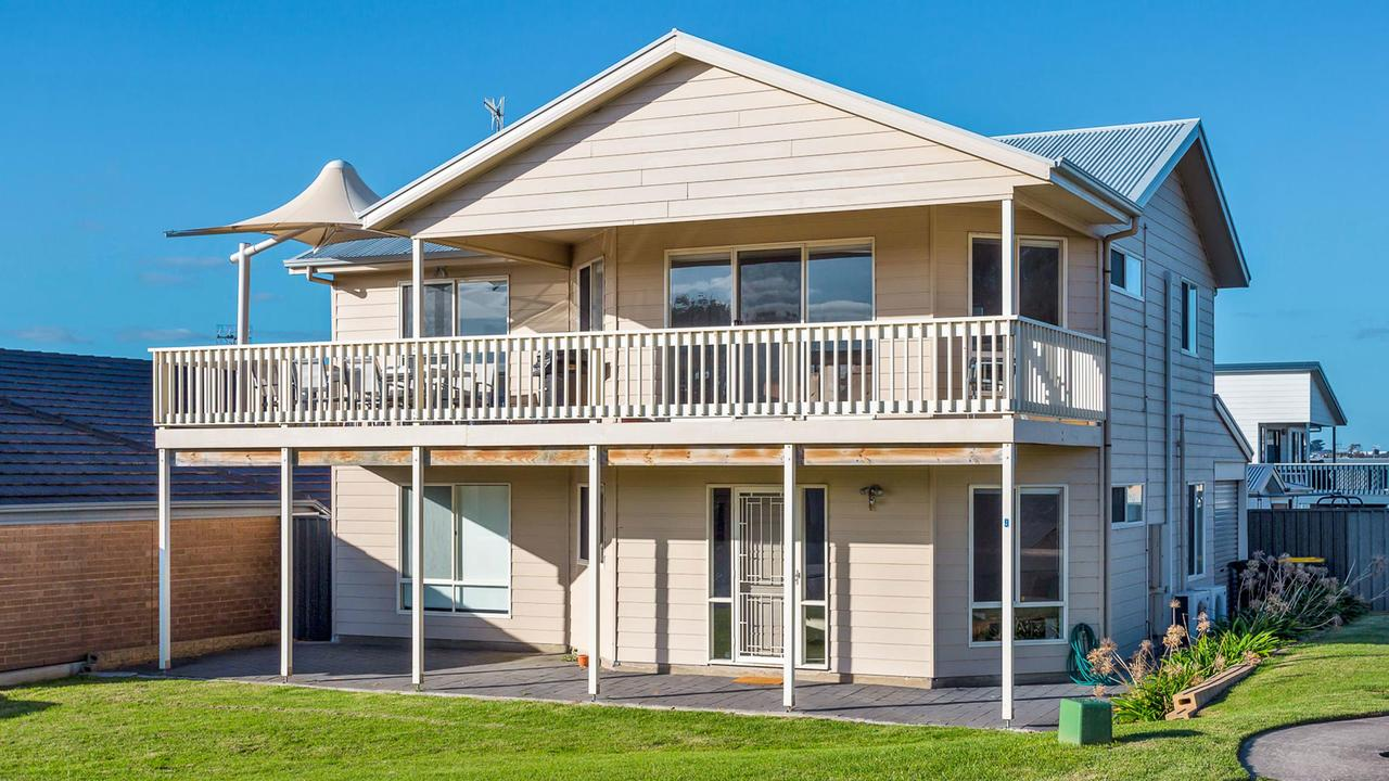 Rocks Beach House Victor Harbor - Accommodation Sunshine Coast