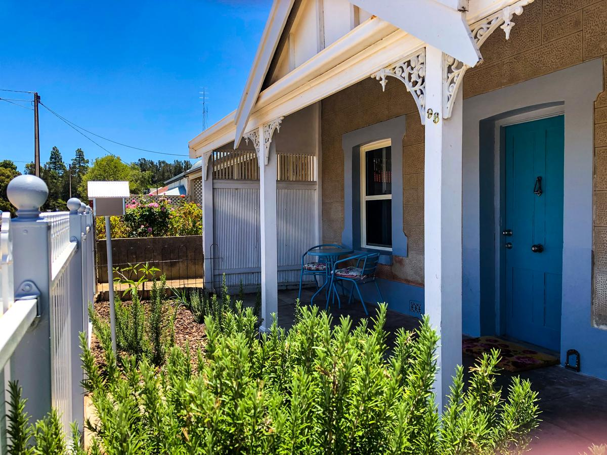 Inglenook Cottage - Accommodation Sunshine Coast