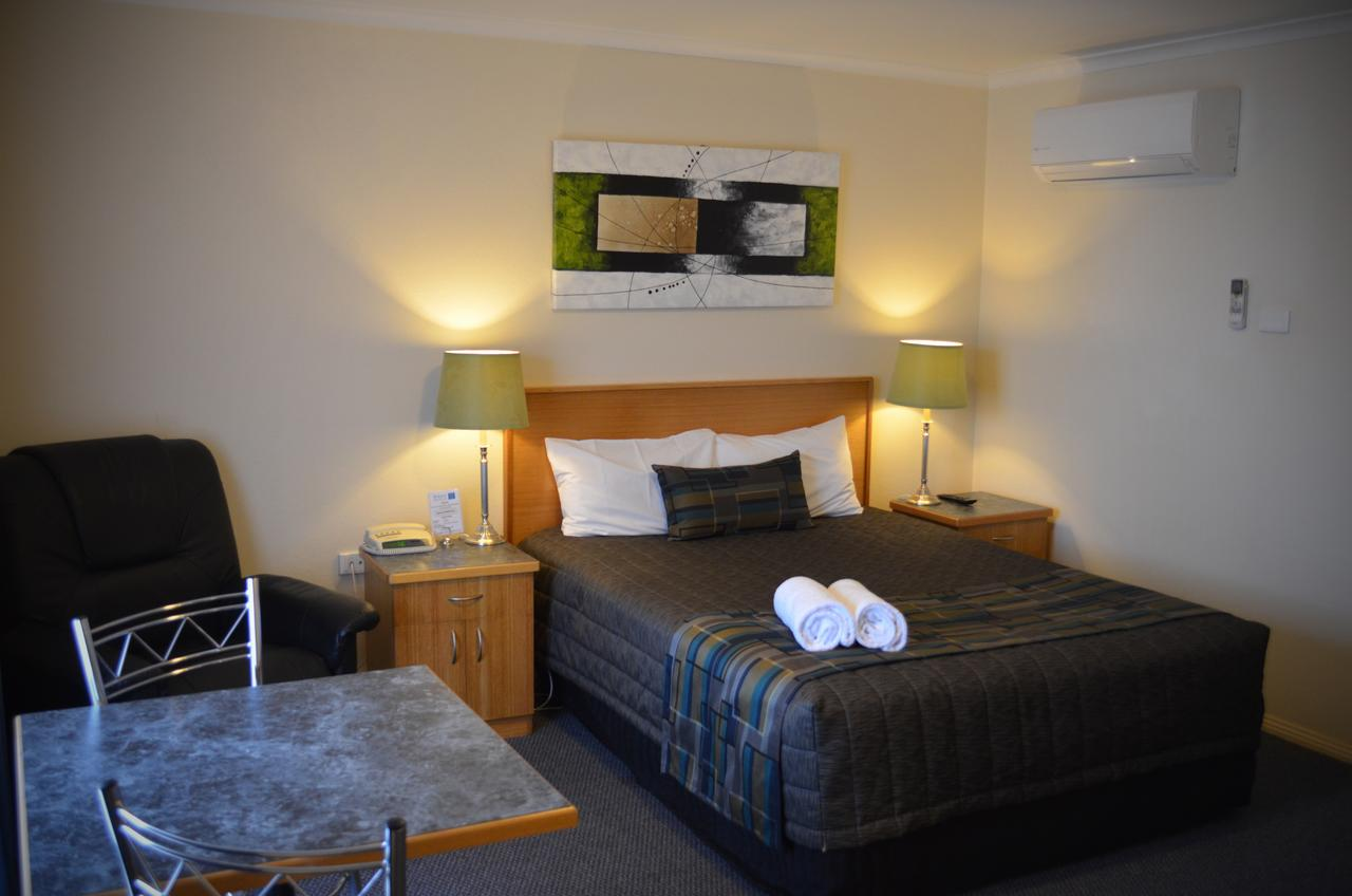 Arkana Motor Inn  Terrace Apartments - Accommodation Sunshine Coast