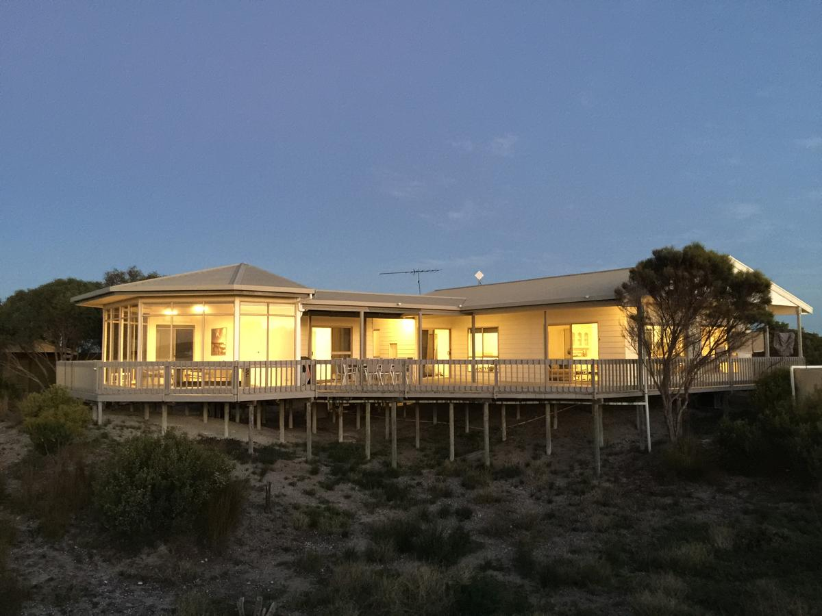 White Sands Holiday Retreat - Accommodation Sunshine Coast
