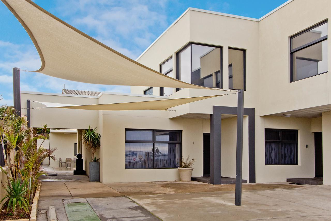 Atlantic West Beach Apartments - Accommodation Sunshine Coast