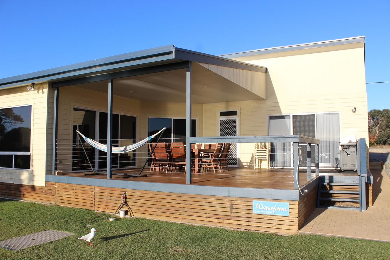 Waterfront on Osprey - Accommodation Sunshine Coast