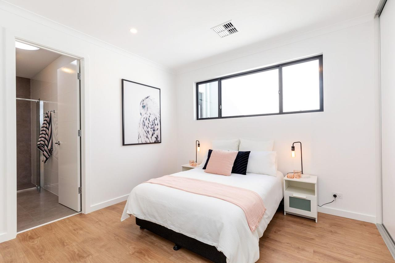 Brand new affordable luxury 3 bedroom 3 bathrooms house close to Adelaide city Chinatown beach Adelaide Airport - Accommodation Sunshine Coast