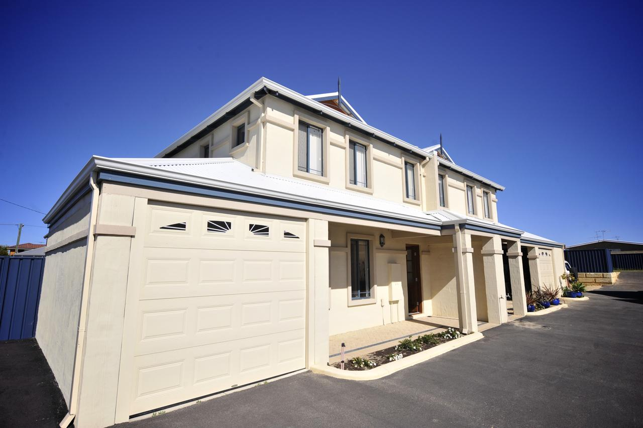 Palm Beach Manor - Accommodation Sunshine Coast