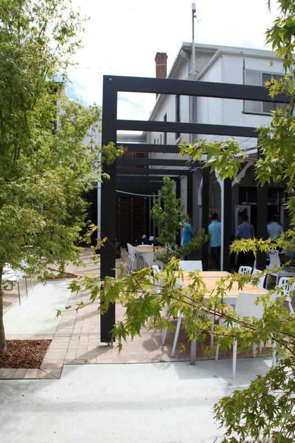 Crossroads Hotel - Accommodation Sunshine Coast